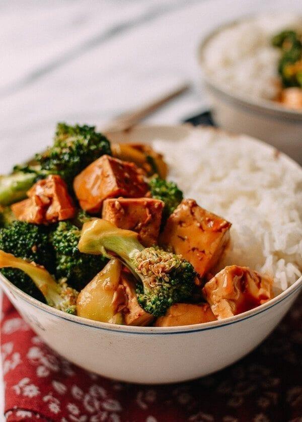 Broccoli Tofu Bowls with Rice, thewoksoflife.com