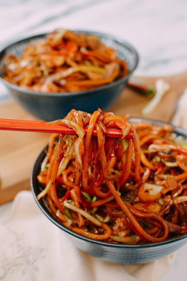 Chicken Lo Mein - Restaurant style - The Woks of Life