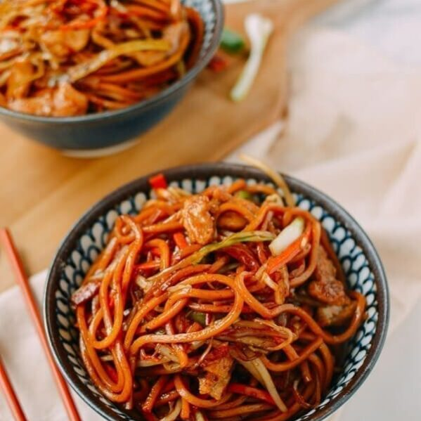 Chicken Lo Mein 30 Min Authentic Takeout Recipe The Woks Of Life