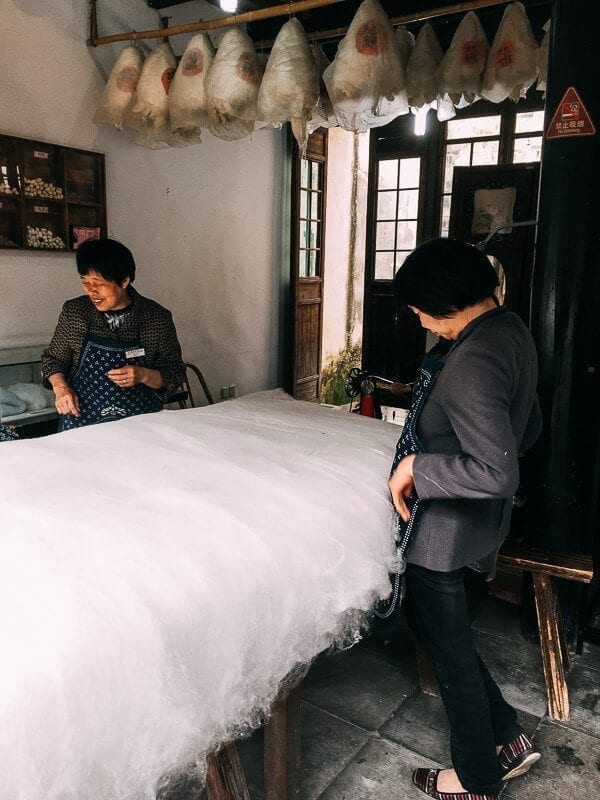 Wuzhen Silk Workshop, by thewoksoflife.com