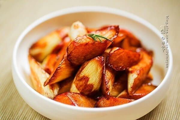 Good Eats in Shanghai: A Culinary Tour of Shanghai Cuisine - jiao bai, by thewoksoflife.com