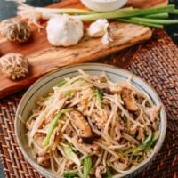 Chicken and Bean Sprouts Stir Fry