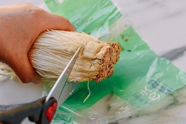 how to prepare enoki mushroom