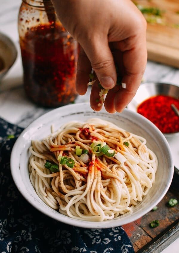 10-Minute Sesame Noodles Recipe (Ma Jiang Mian), by thewoksoflife.com