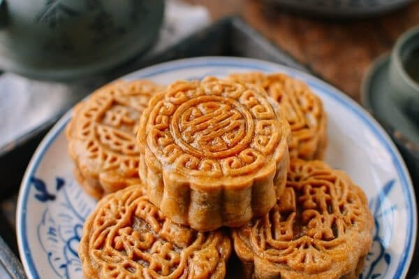 Ham an Nut Mooncake Recipe, by thewoksoflife.com