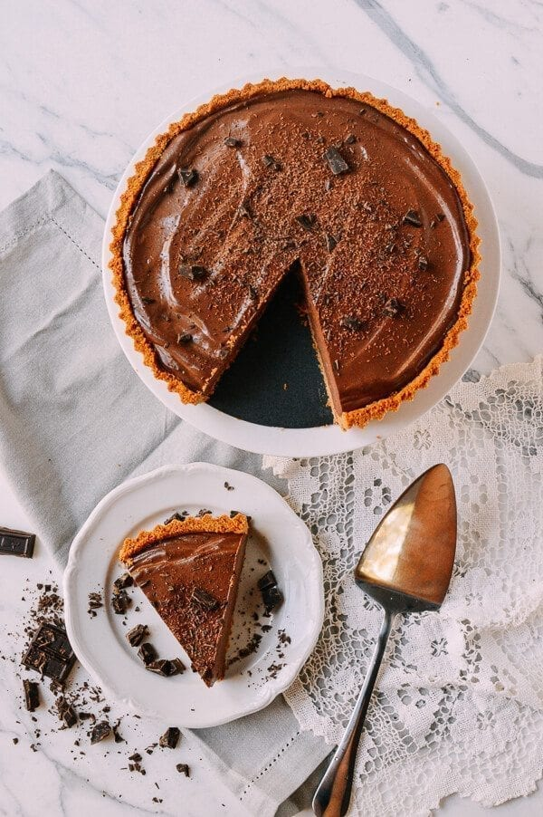 Vegan Chocolate Peanut Butter Silk Tart, by thewoksoflife.com