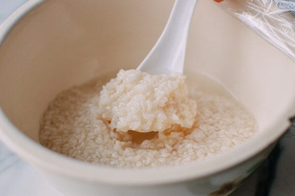 Sweet Fermented Rice (酒酿, Jiu Niang), by thewoksoflife.com