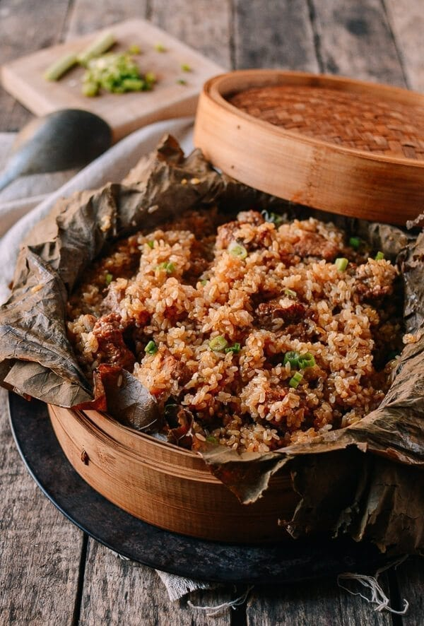 Steamed Ribs with Glutinous Rice (糯米蒸排骨), by thewoksoflife.com