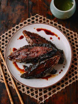 Shanghai Smoked Fish, Xun Yu (上海熏鱼), by thewoksoflife.com
