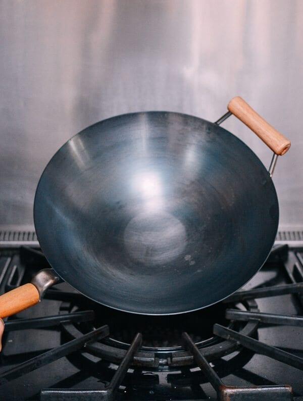 How to Season a wok