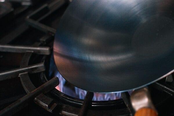 Cómo sazonar un wok y el cuidado diario del wok por thewoksoflife.com