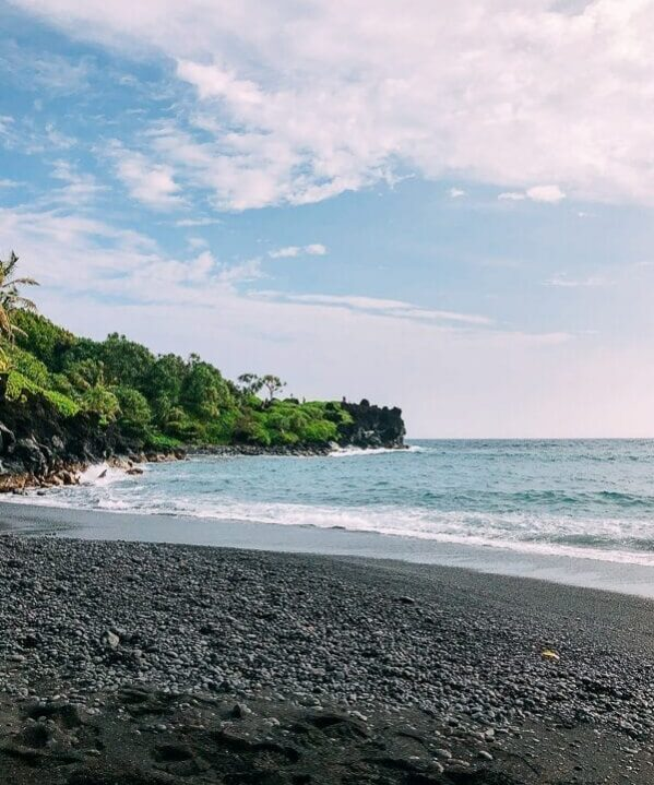 Black Sand Beach on Road to Hana, by thewoksoflife.com