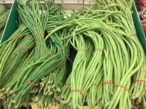 Chinese long beans types by thewoksoflife.com