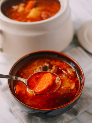 Shanghai-Style Red Vegetable Soup (罗宋汤 - Luo Song Tang), by thewoksoflife.com