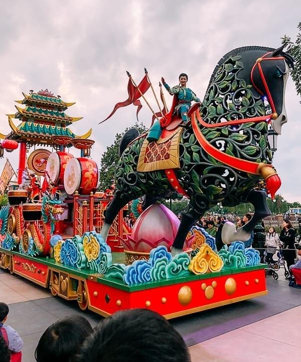 Disney Shanghai Parade - Mulan by thewoksoflife.com