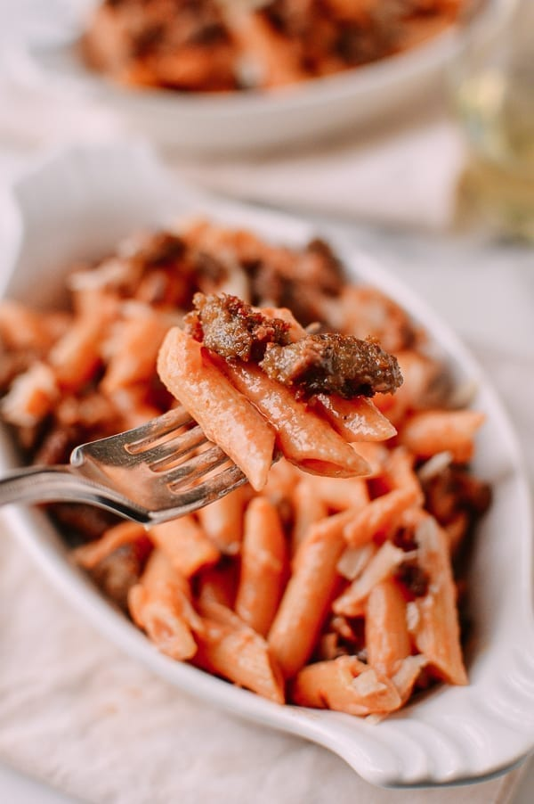 Penne alla Vodka on fork, thewoksoflife.com