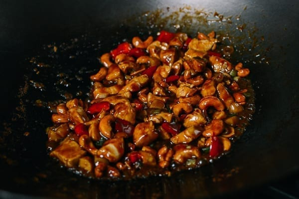 Chicken cashew stir-fry, thewoksoflife.com
