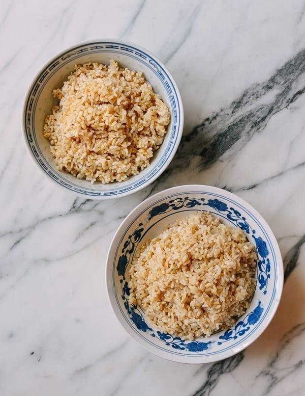 Cooked brown rice, thewoksoflife.com