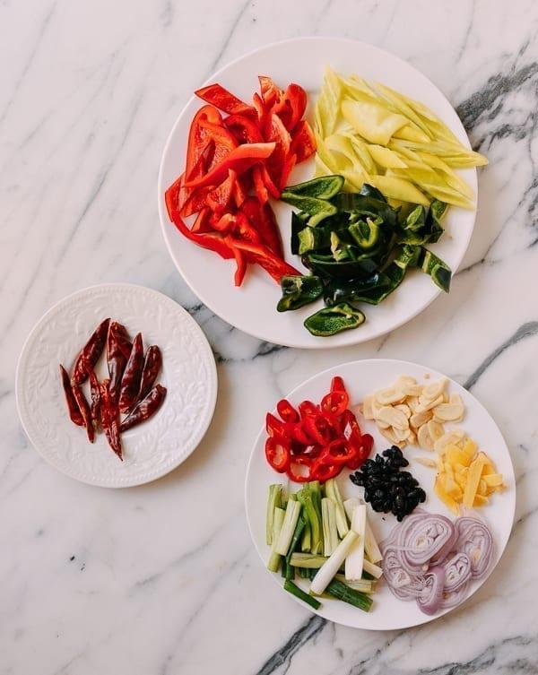Ingredients for Hunan Beef, thewoksoflife.com
