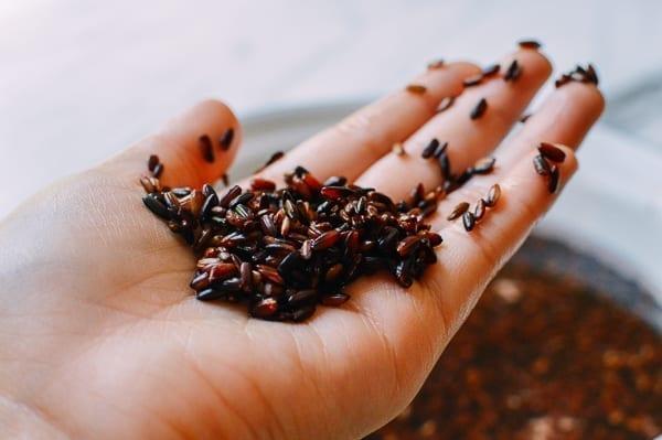 Soaked Black Glutinous Rice, thewoksoflife.com