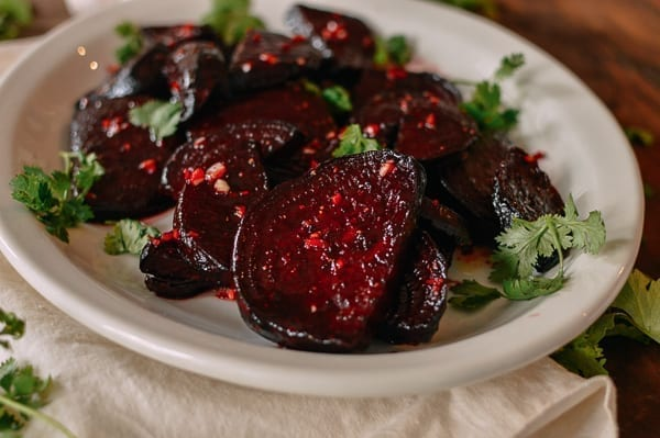 Roasted Beet Salad, thewoksoflife.com