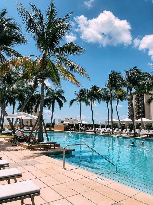 Four Seasons Miami Pool, thewoksoflife.com