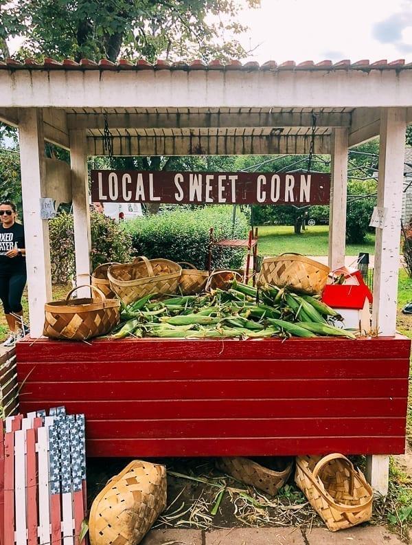 Local sweet corn at Hamptons farm stand, thewoksoflife.com