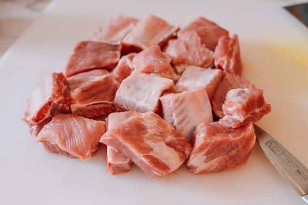 Meaty pork ribs, thewoksoflife.com