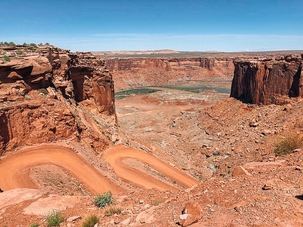 Moab White Rim trail descent by thewoksoflife.com
