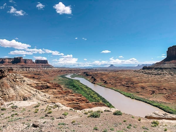 White Rim trail view from Fort Bottom Ruin hike by thewoksoflife.com