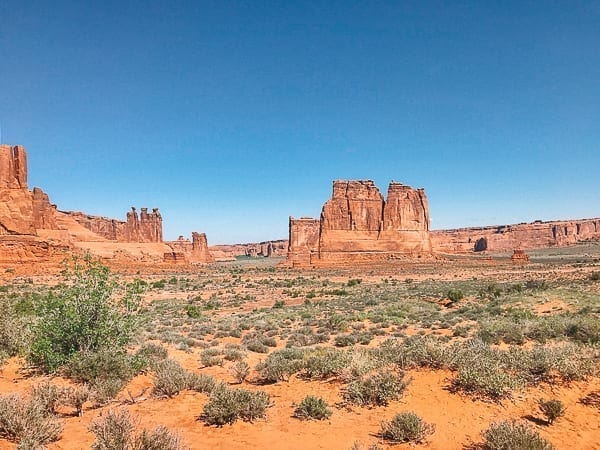 Arches National Park - Courthouse towers viewpoint by thewoksoflife.com
