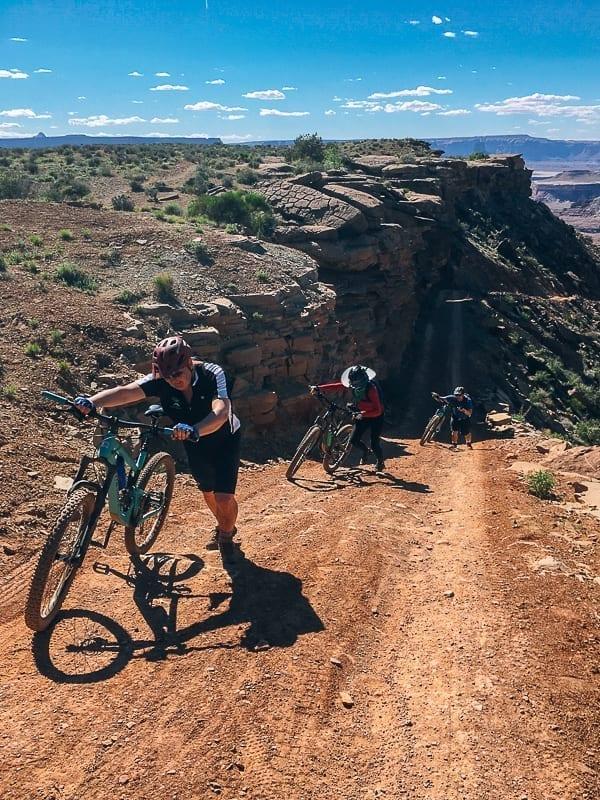 Moab Mountain Biking White Rim Trail Murphy hogback final push by thewoksoflife.com