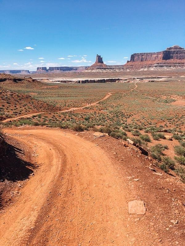 Moab Mountain Biking White Rim Trail Murphy Hogback by thewoksoflife.com