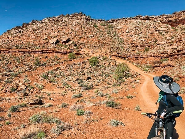Murphy Hogback campground Mountain bike descent on White rim trail in Canyonlands by thewoksoflife.com