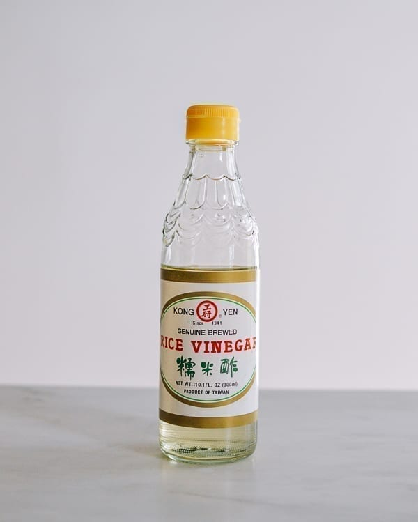 Rice vinegar, thewoksoflife.com