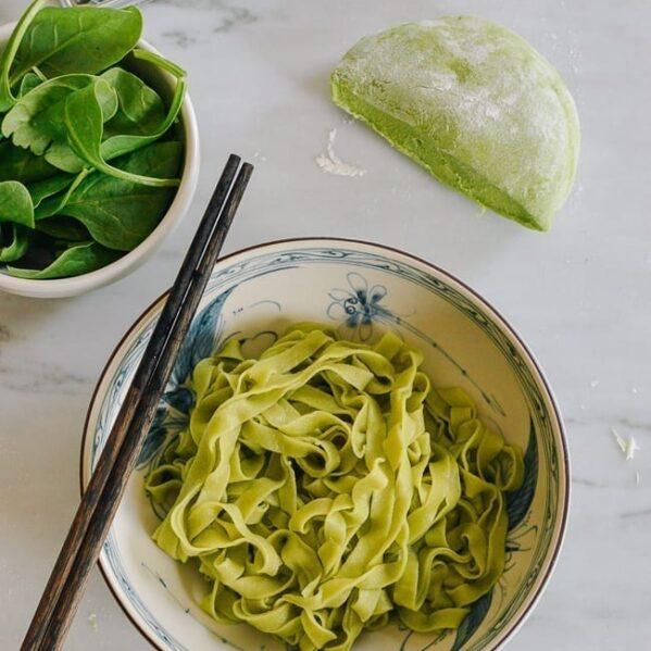 Homemade spinach noodles, thewoksoflife.com