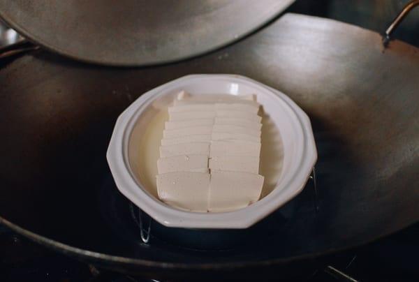 Steaming tofu, thewoksoflife.com