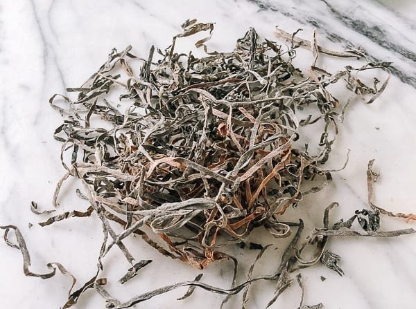 Dried kelp strips by thewoksoflife.com