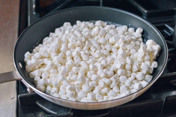 Melting marshmallows in nonstick pan, thewoksoflife.com