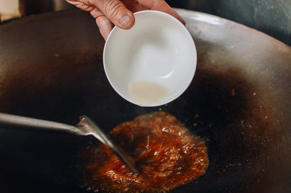 Thickening sauce with cornstarch slurry, thewoksoflife.com