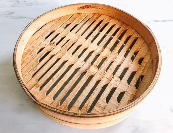 Bottom of bamboo steamer, thewoksoflife.com