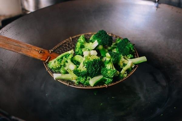 Blanching broccoli, thewoksoflife.com