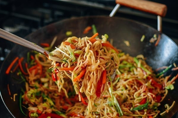 Cooking Yakisoba Noodles, thewoksoflife.com