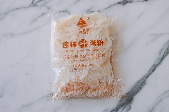 Fresh rice noodles, thewoksoflife.com