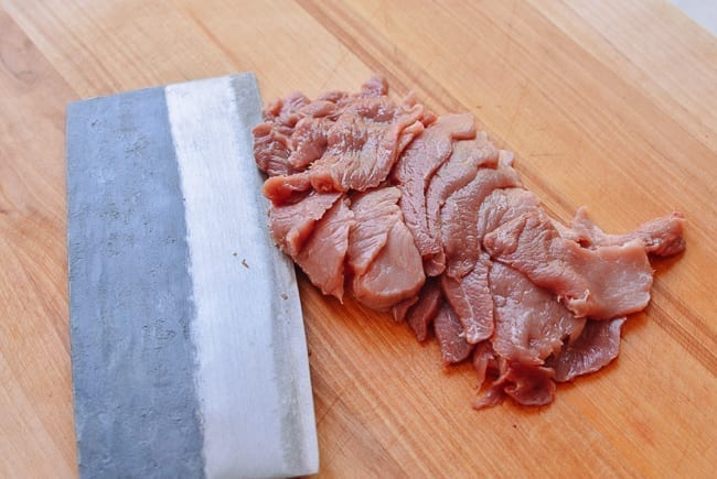 Sliced pork for stir-fry, thewoksoflife.com