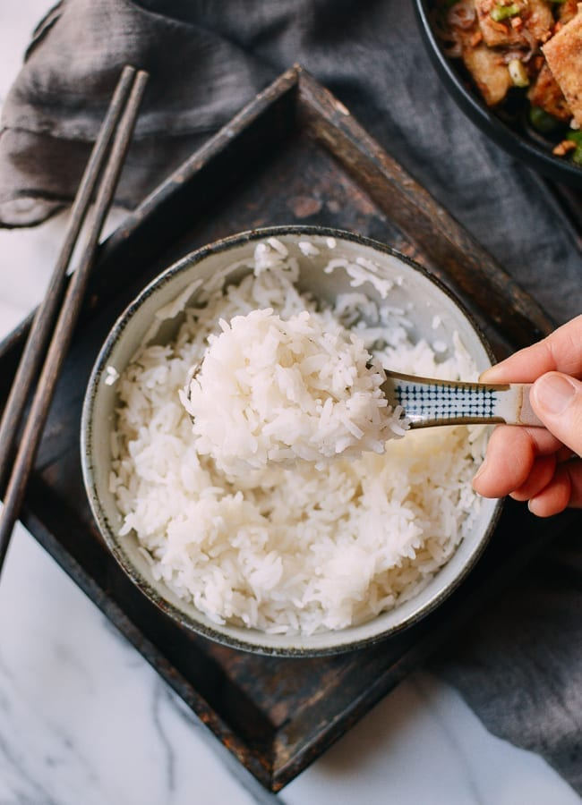 How to Steam White Rice, thewoksoflife.com