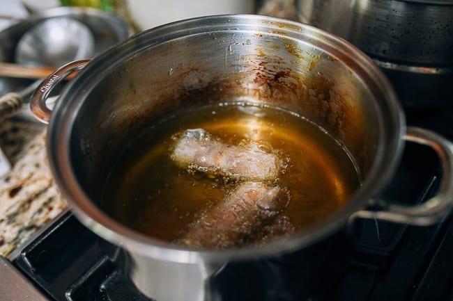 Frying Vietnamese spring rolls, thewoksoflife.com