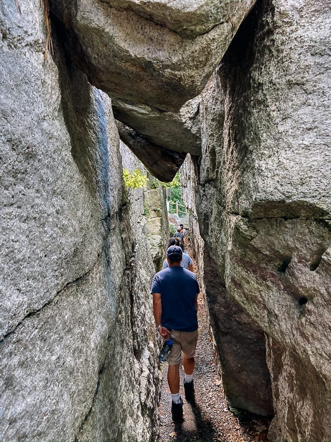 Walking to Mohonk Mountain House Trailheads, thewoksoflife.com