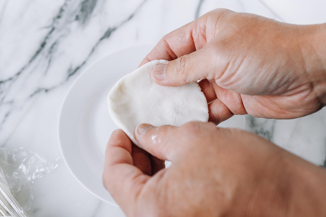 Circular disc of sesame ball dough