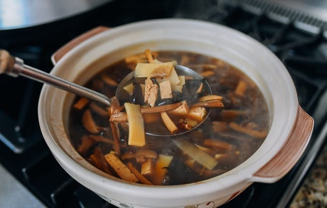 hot and sour soup thickened with cornstarch, thewoksoflife.com